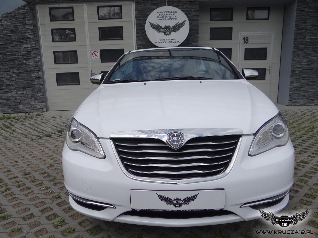LANCIA : zmiana koloru auta folią : biały połysk : oklejanie : Krucza18 : Osielsko/k.Bydgoszczy