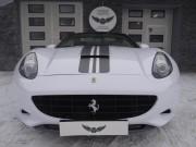 FERRARI CALIFORNIA : zmiana koloru auta folia : biały połysk : czarny połysk : oklejanie : Krucza18 : Osielsko/k.Bydgoszczy
