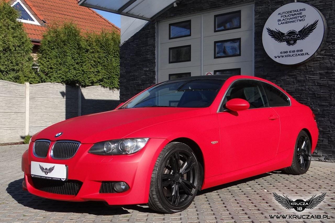 BMW 3 czerwony mat