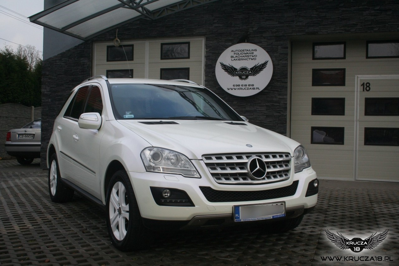MERCEDES ML : zmiana koloru auta folią : oklejanie : biała perła : Krucza18 : Osielsko/k.Bydgoszcz