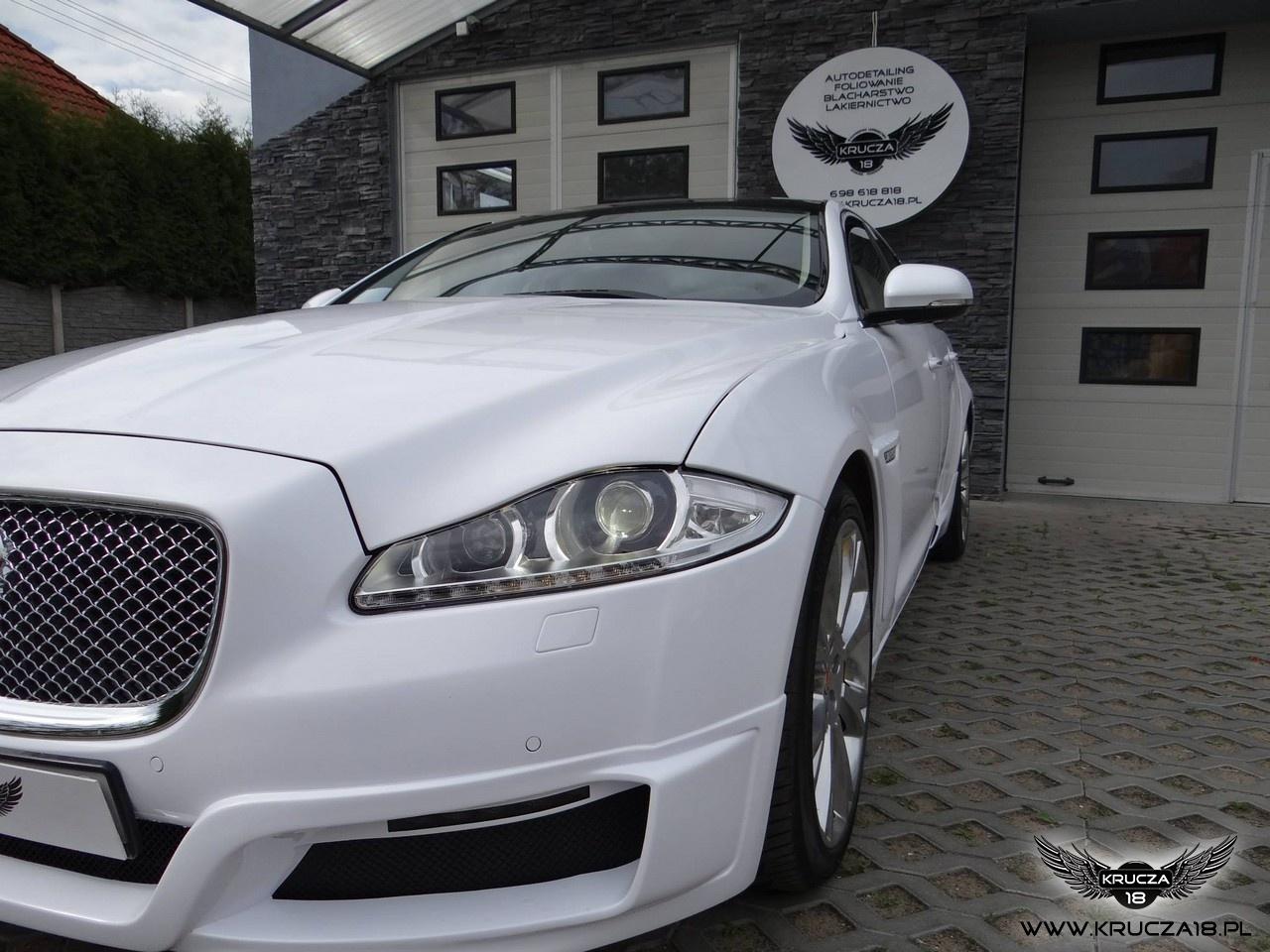 Jaguar XJ biały połysk
