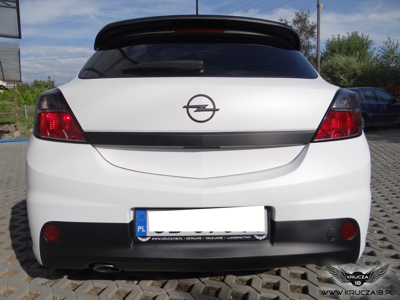 OPEL ASTRA : zmiana koloru auta folia : biały mat : oklejanie : Krucza18 : Osielsko/k.Bydgoszczy