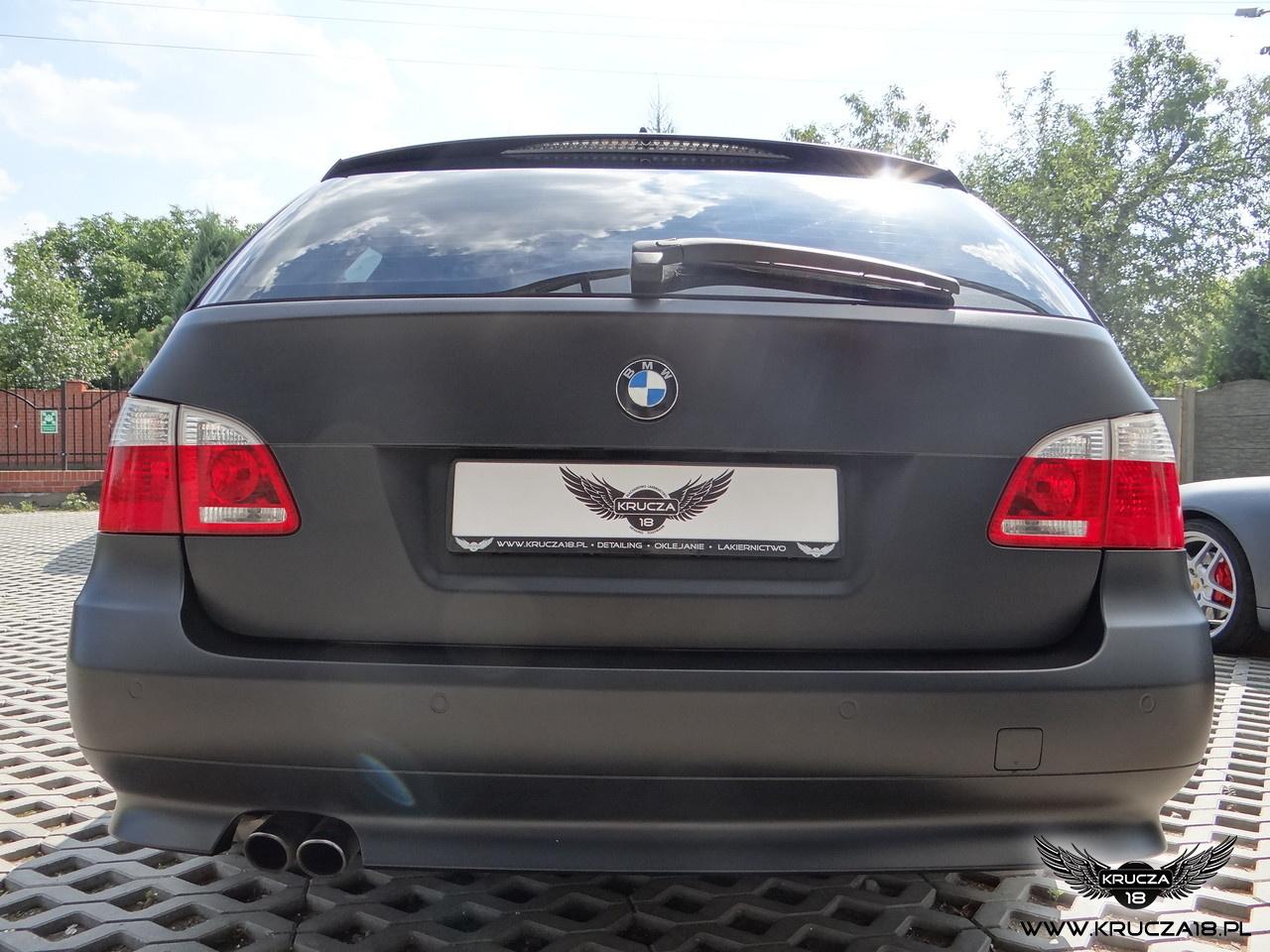 BMW 5 : zmiana koloru auta folia : czarny mat : oklejanie : Krucza18 : Osielsko/k.Bydgoszczy