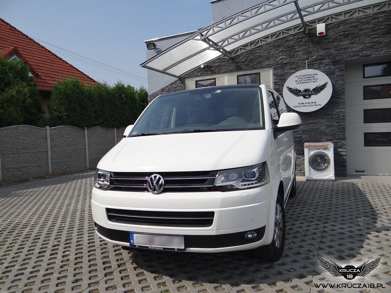 VW MULTIVAN : zmiana koloru auta folia : biały połysk / czarny mat : oklejanie : Krucza18 : Osielsko/k.Bydgoszczy