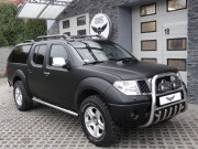 Nissan Navara - czarny mat