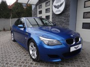 BMW M5 w folii Arlon Daytona Blue