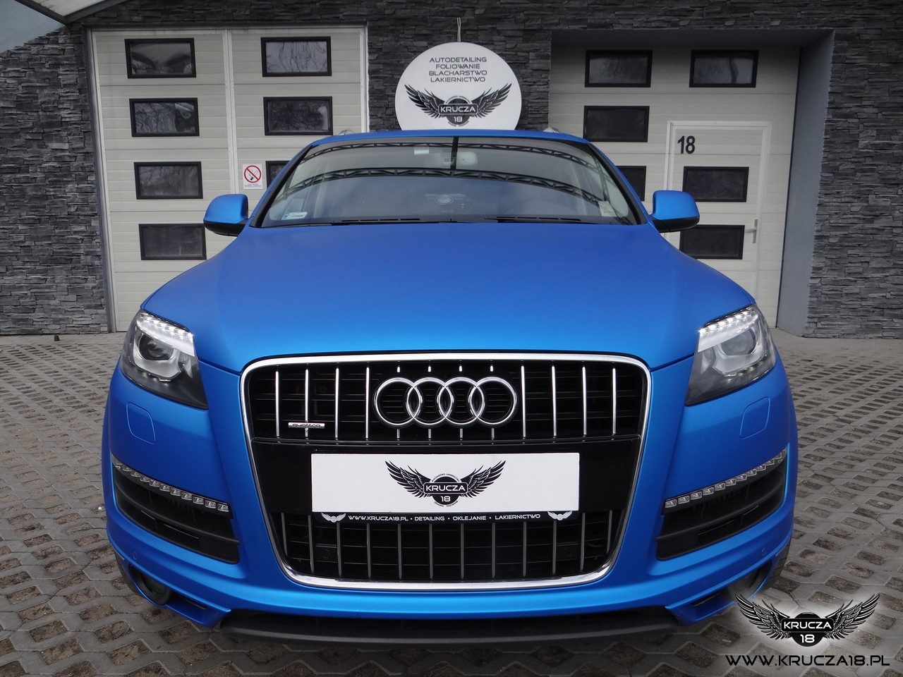 Audi Q7 - Zmiana koloru folią  Blue Aluminium
