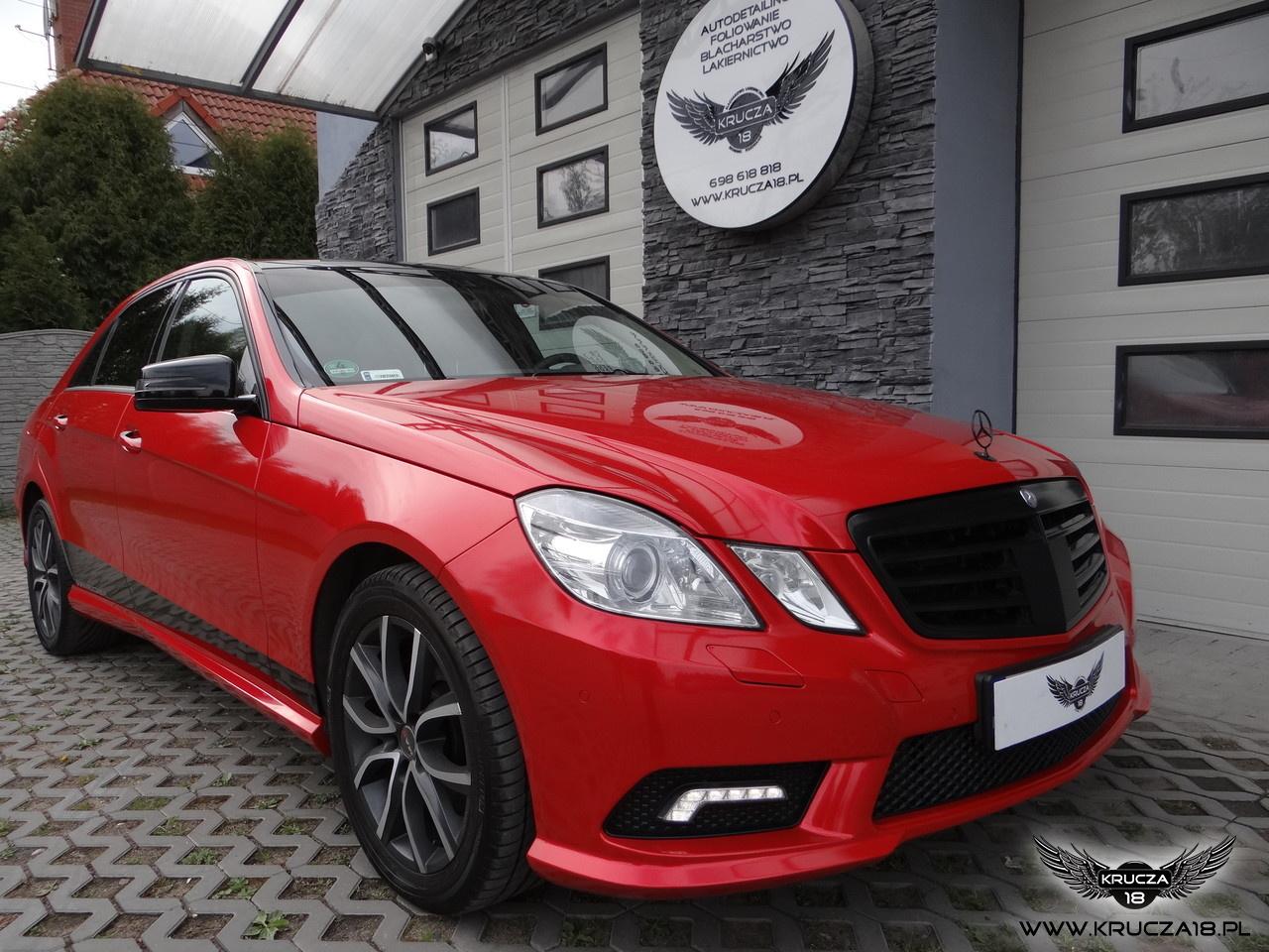Mercedes / zmiana koloru folią na Rot Metallic